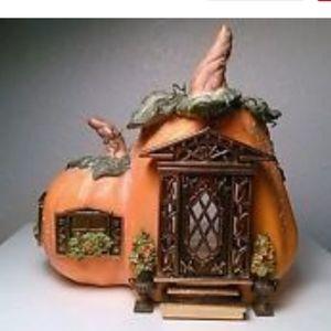 Partylite Pumpkin Cottage house tealight candle